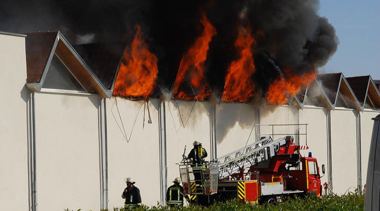 Ein Raub der Flammen wurde die Spinnerei der Firma Brennet.     Foto: Edi