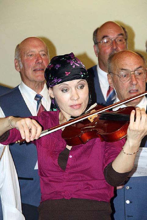 Zigeunerlied der Sänger mit  Lisa Kanchukh   | Foto: Silvia Faller