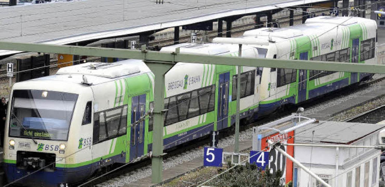 Die Breisgau-S-Bahn wird in den kommen...ür rund 380 Millionen Euro ausgebaut.   | Foto: Schneider