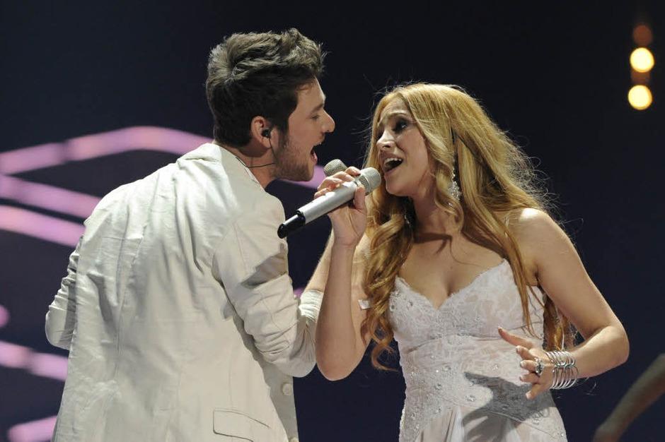 """2011: Aserbaidschan. Sängwerin Nigar Jamal und Eldar Qasimov: """"Running scared"""". Sie war bis vor kurzem Hausfrau, jetzt gewann das Duo den ESC mit klarem Vorsprung. (Foto: dapd)"""