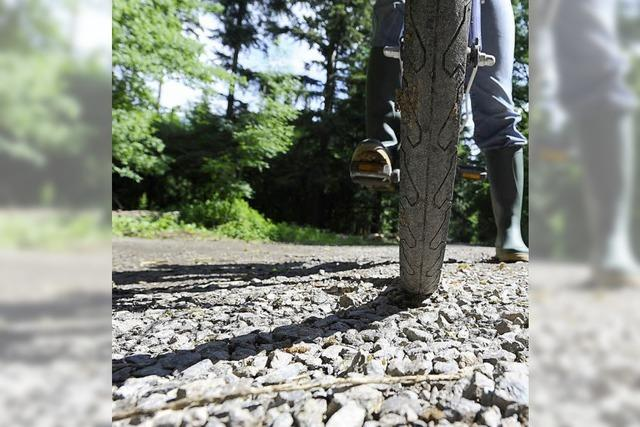Radler klagen über Schotter auf Radwegen im Mooswald