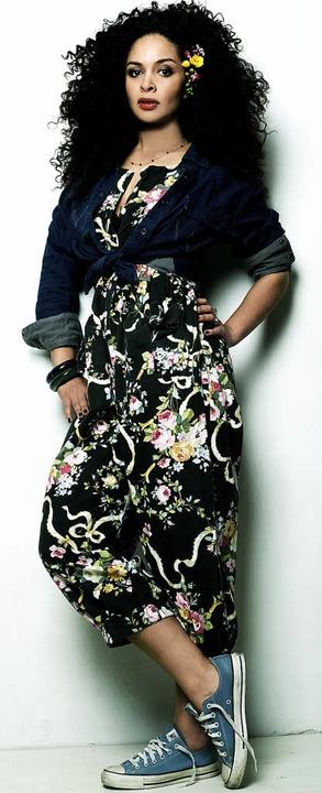 Selbstbewusst: Joy Denalane   | Foto: Jackie Hardt