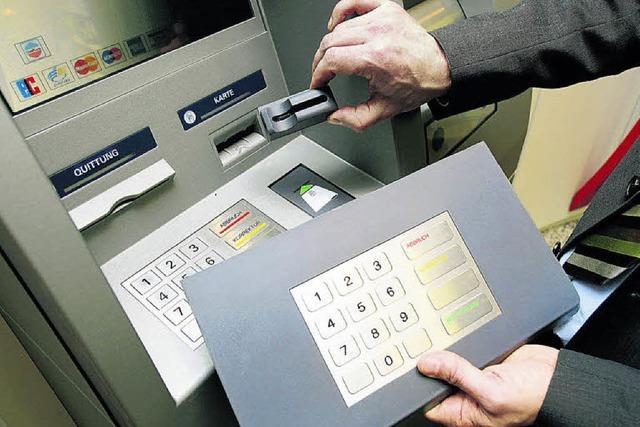 Die Welt am Geldautomaten scheint noch heil zu sein