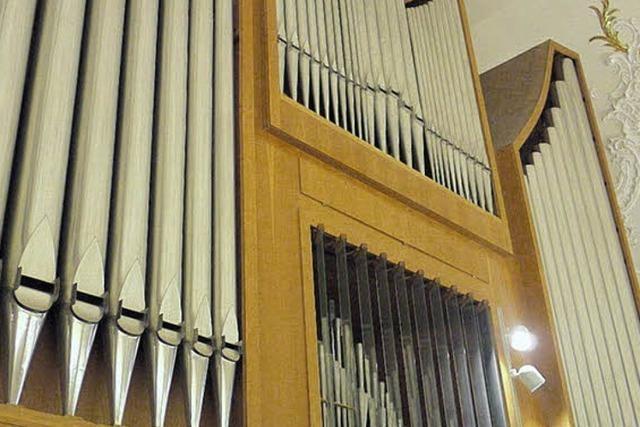 Genau 9701 Orgelpfeifen in den Kirchen