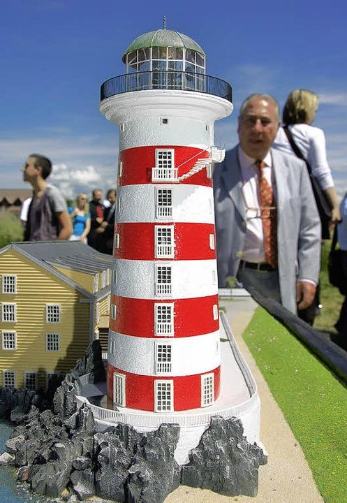 Ein weiteres Wahrzeichen für den Europa-Park scheint der Leuchtturm zu werden.  | Foto: Christian Kramberg
