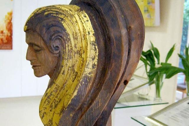 Gesang, auf Leinwand gebannt, und kunstvolle Skulpturen
