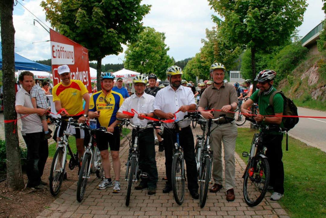Startschuss ins sommerliche Radvergnüg... Haselbacher (Projektleiter  der HTG).  | Foto: Luisa Denz