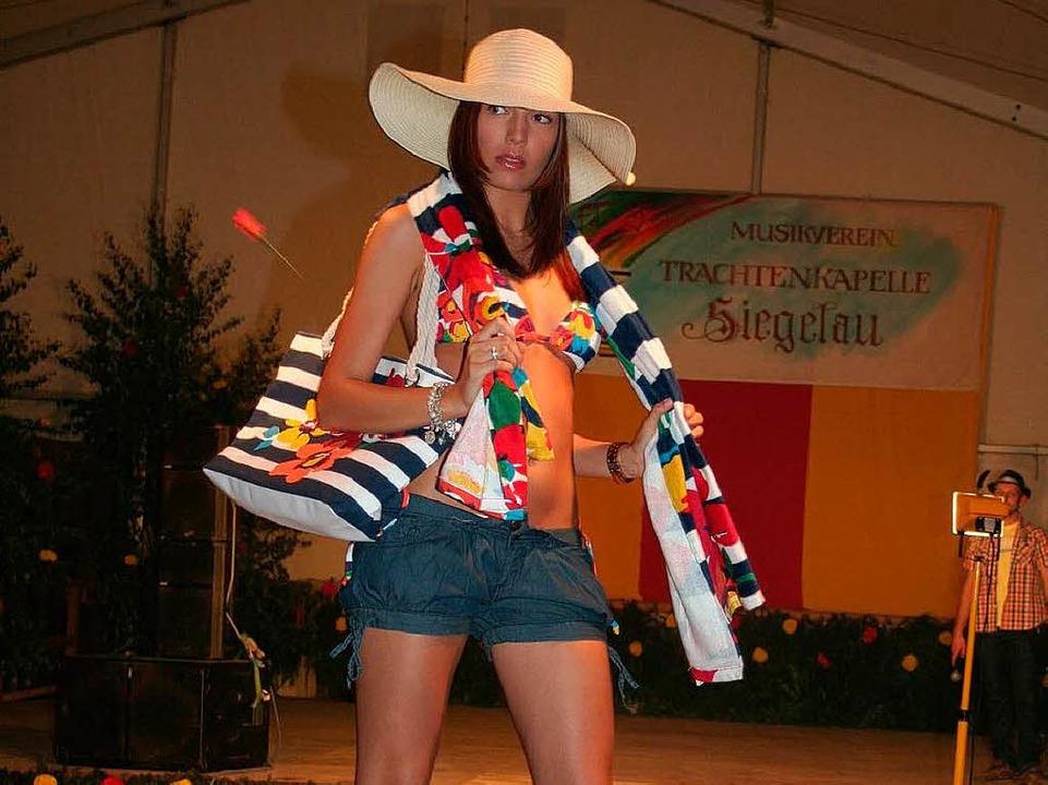 Miami Vice – bunt und knallig: E...on Studio K (Waldkirch) gezeigt wurde.  | Foto: Karin Heiß