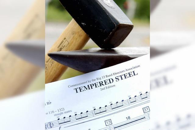 Stahl trifft musikalisch auf metallene Instrumente