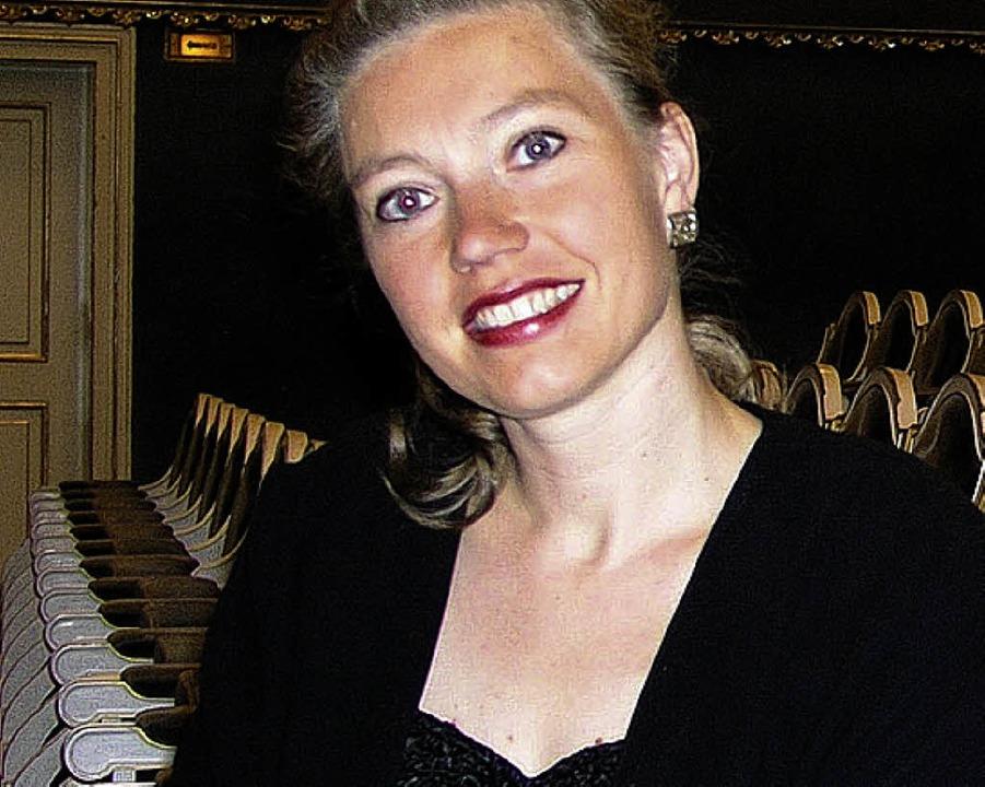 Olga Machonova Pavlu, Dirigentin des Orchesters der Uni Basel    Foto: bz