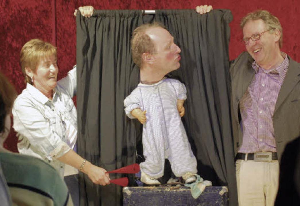 Jokus der Clown (Mitte) begeisterte sein Publikum.   | Foto: Axel Dröber