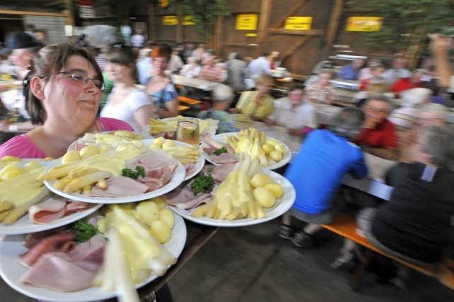 Opfinger Spargel- und Weinfest: Spargel satt