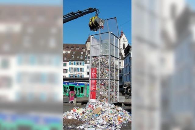 Säule macht den Müll augenfällig