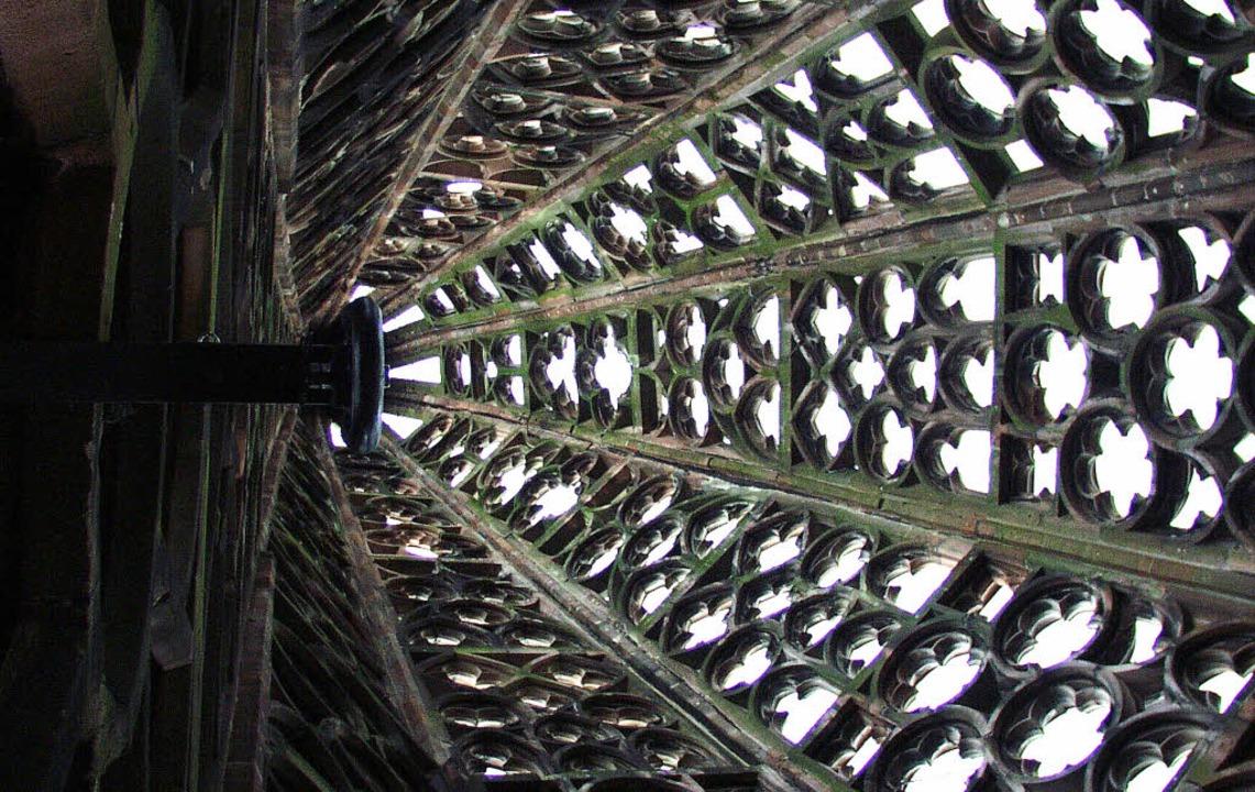 Das berühmte Steingewebe der Spitze &#...er Turm in seiner ganzen Höhe (unten)   | Foto: schneider/sasse