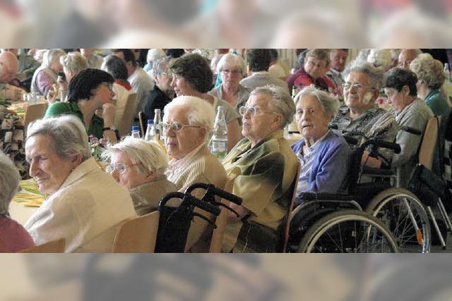 Unterhaltung und Informationen für 160 Senioren