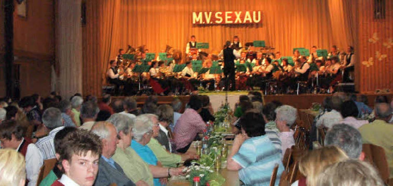 Die Musiker aus Sexau und Ottoschwande...t einem abwechslungsreichen Programm.   | Foto: Michael Haberer