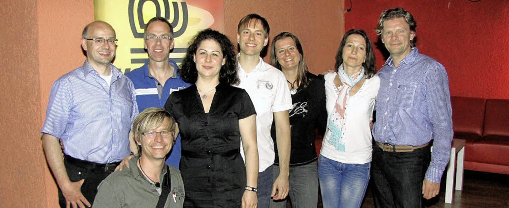 Neu formiert: der Vorstand des Salsa Clubs    Foto: bz