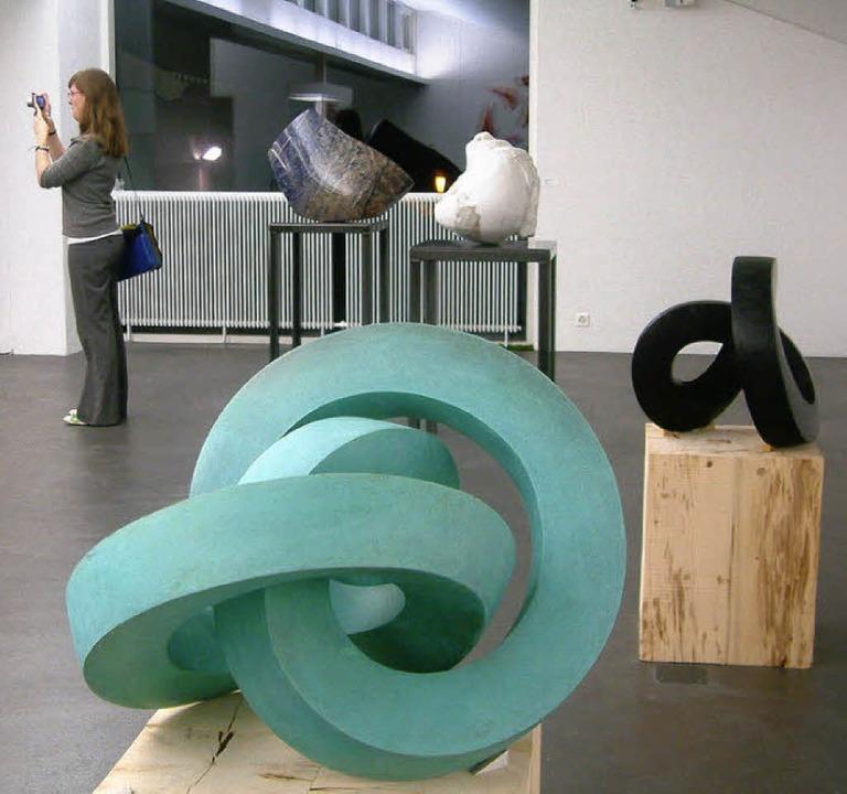 Lebendiger Treffpunkt: das Museum mit ...ag  endenden Schau  Regio-Art-Skulptur    Foto: Roswitha Frey