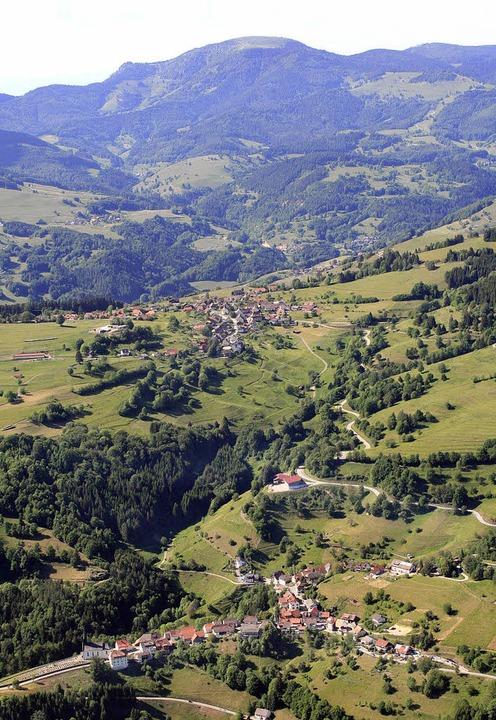 Mittendrin im  Bergland liegt Häg-Ehrsberg.   | Foto: Erich Meyer