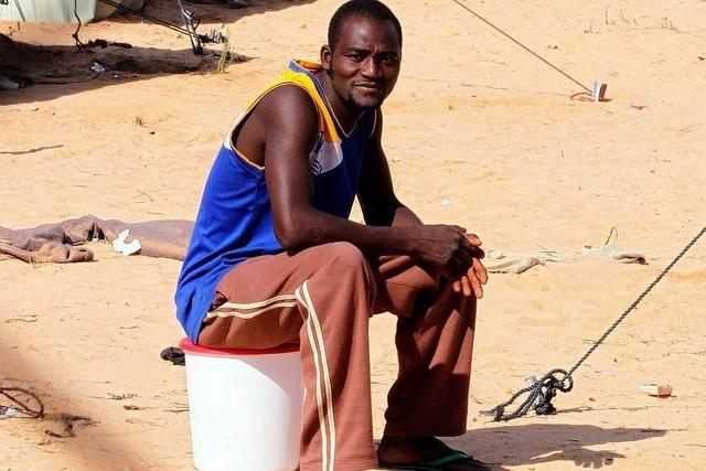 6000 Flüchtlinge sitzen an libysch-tunesischer Grenze fest