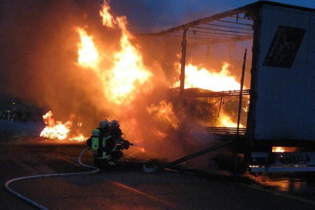 Heiße Bremsen – Zucker-Laster fängt Feuer