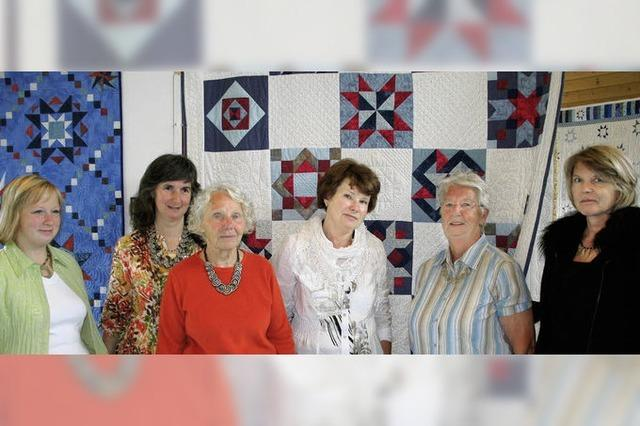 Textile Kunstwerke helfen