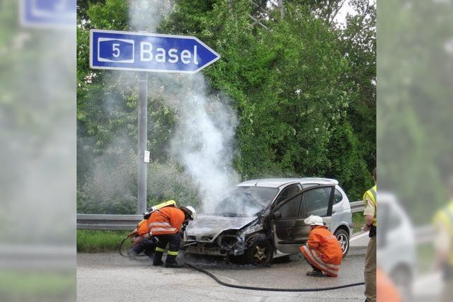 Auto brennt bei Kleinkems aus
