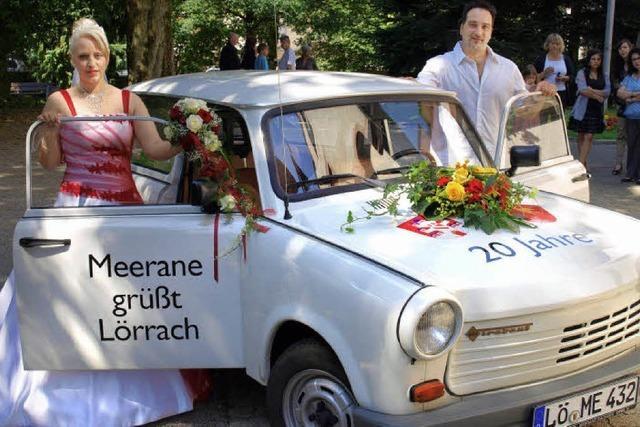 Knatternd in die Ehe