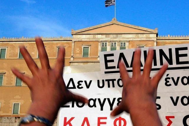Tragen die Griechen den verschärften Sparkurs mit?