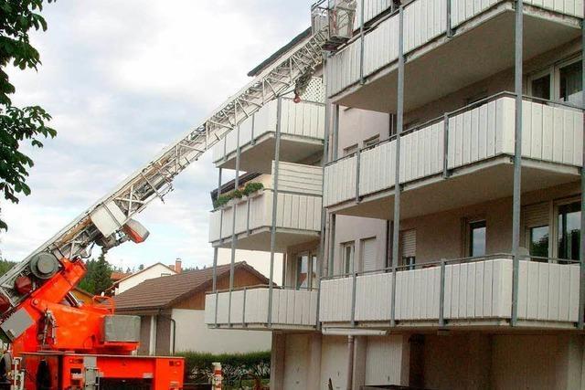 Personen vor den Flammen gerettet