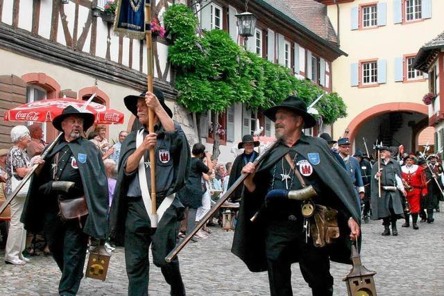 Türmer und Nachtwächter aus sieben Ländern zogen durch Burkheim