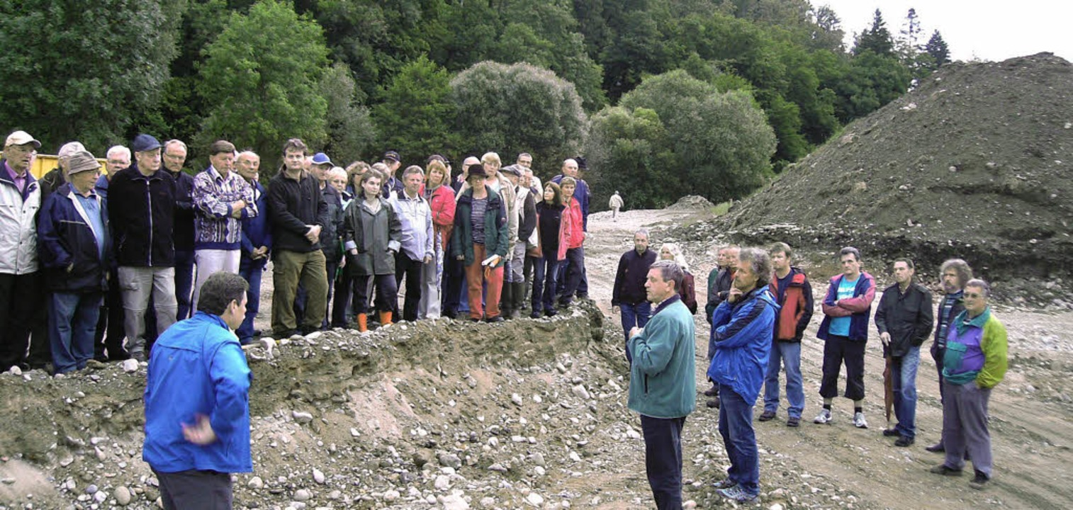 Interessiert verfolgen die Maulburger,...d Uferbereich ökologisch aufzuwerten.   | Foto: Privat