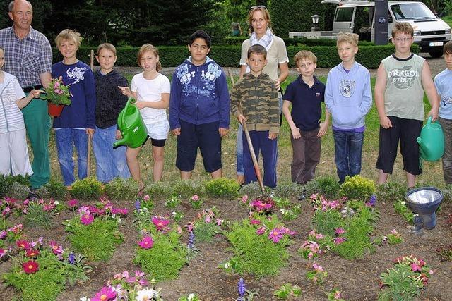 Mit Gärtnern Kinder fördern