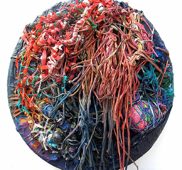 Ania Dziezewska zeigt ihre komplexen Objekte.   | Foto: Privat