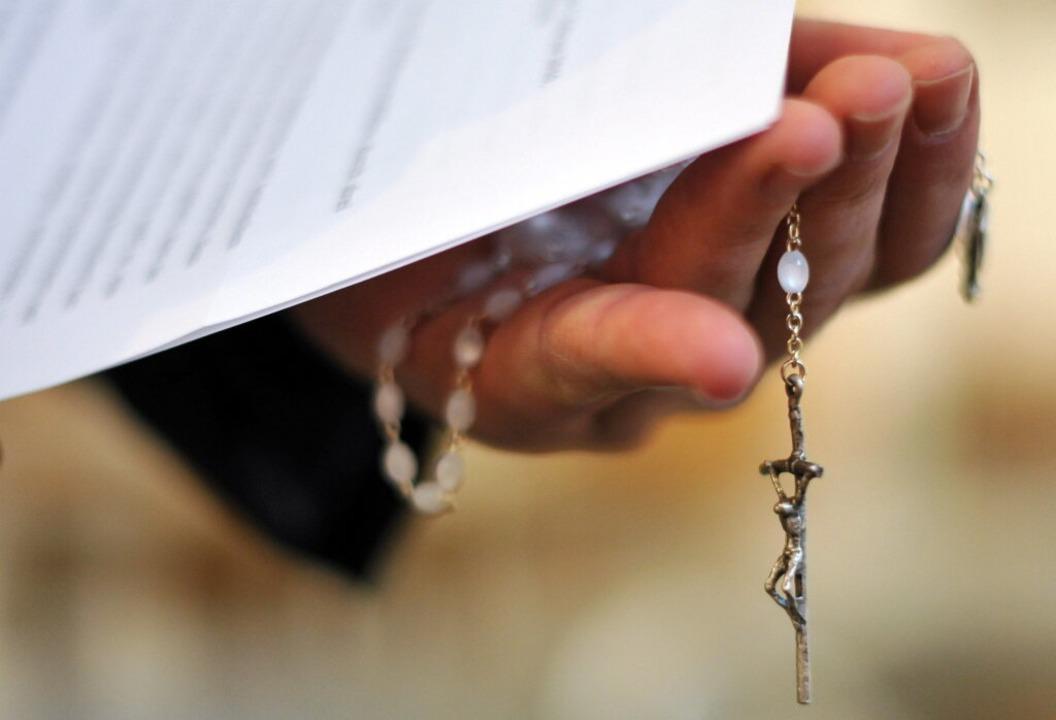 Das Erzbistum Freiburg spricht von ein...einen Peiniger weitergegeben zu haben.  | Foto: dpa