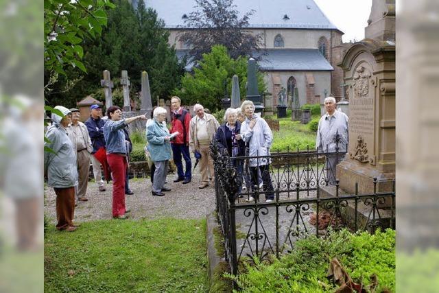 Ein Rundgang auf dem Stiftsfriedhof