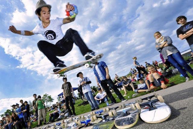 Skate-Contest: Tollkühne Jungs auf rasenden Boards