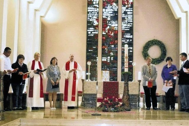 Viele Gottesdienstbesucher zeigen sich begeistert