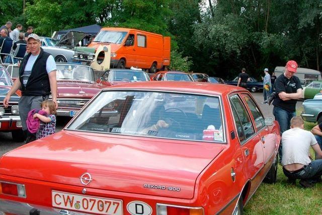 Familie Opel bevölkert Schambachtal