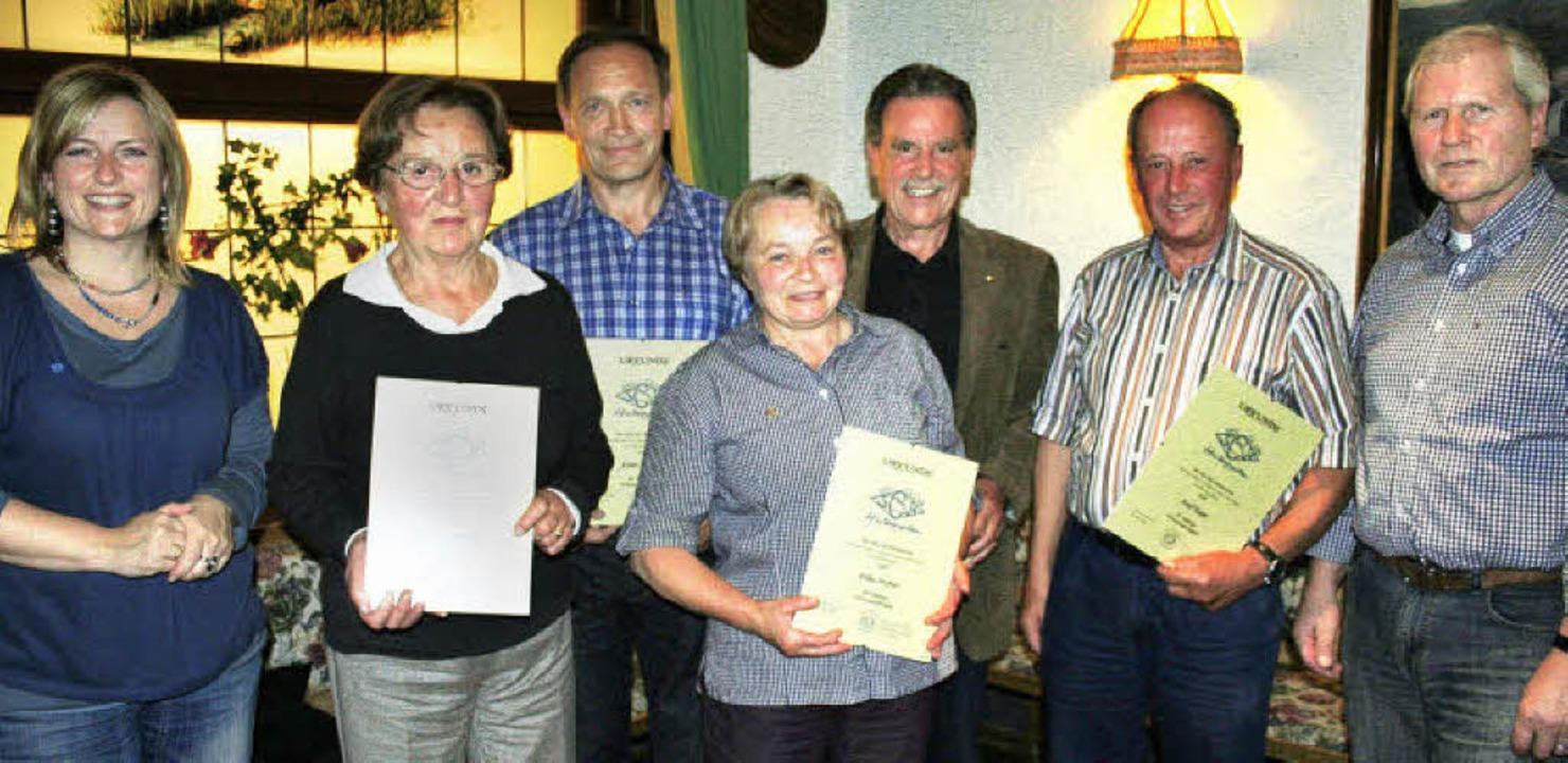 Goldene und silberne Ehrennadeln gab e... Eckert, Josef Kapp und Detlef Braun.   | Foto: DIETER MAURER