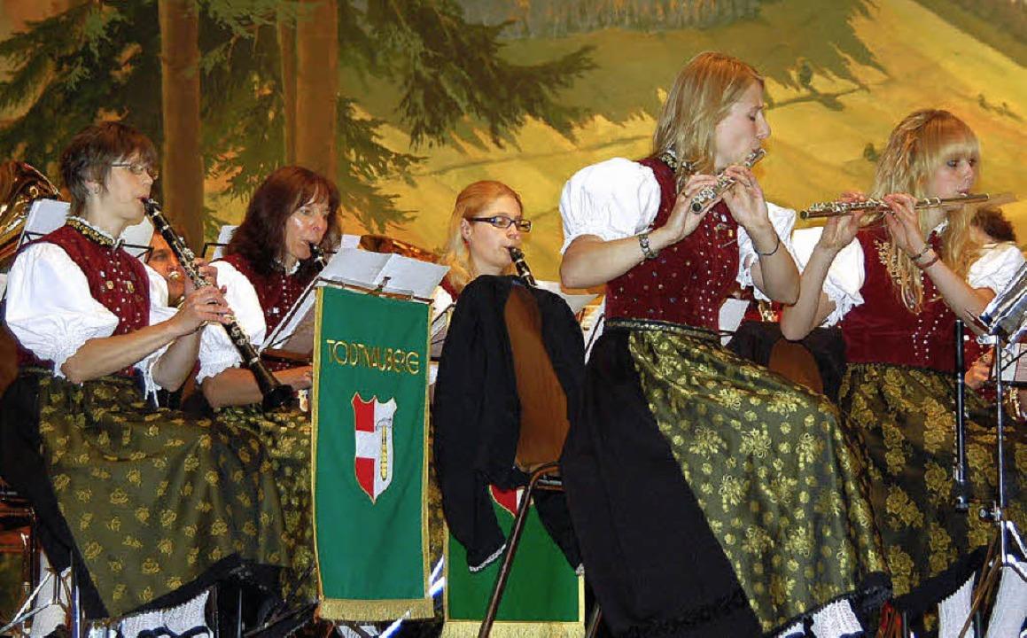 Die Trachtenkapelle Todtnauberg hatte ...iläumskonzert ins Kurhaus eingeladen.   | Foto: Ulrike Jäger