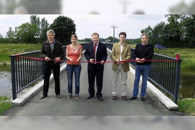 Elzbrücke für 225.000 Euro erneuert