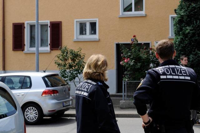 Familiendrama in Lörrach: Polizei sucht Waffe und Handy