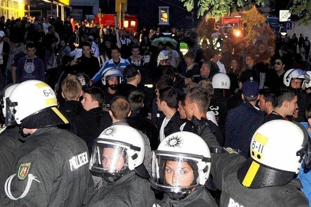 Polizei löst Facebook-Party in Wuppertal auf