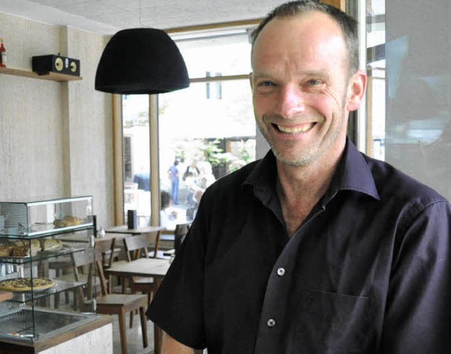 Konrad Winzer in der neuen Bar  | Foto: Barbara Ruda