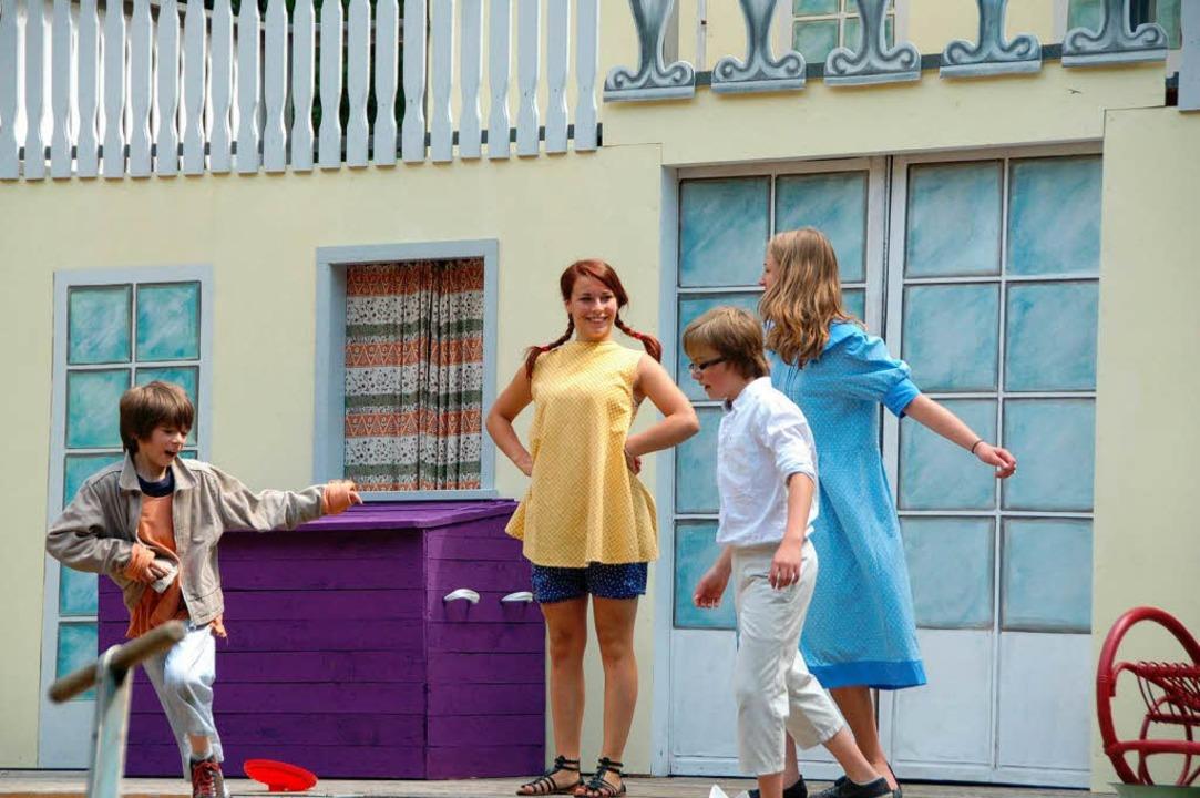 Pippi Langstrumpf soll was ganz Normal...finden ihre Freunde: zur Schule gehen!    Foto: Sylvia-Karina Jahn