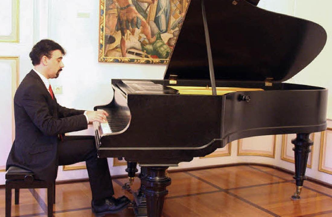Virtuose Sonaten: Daniel Kasparian im Elztalmuseum.   | Foto: Hans J. Kugler