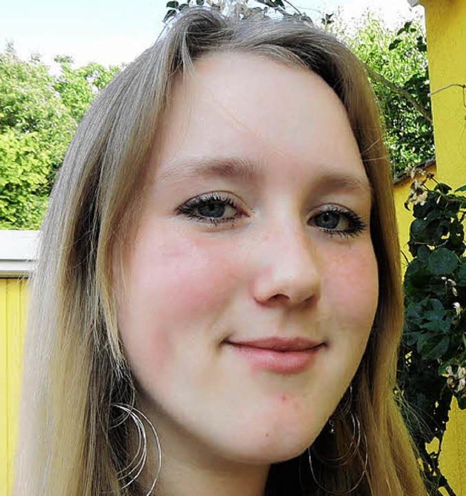 "Alexandra Schuler (18), Abiturientin, ...er traditionelle Männerfußball!""  | Foto: Teresa Ehrler"