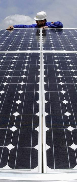 Die Nachfrage nach Solartechnik ist groß, die Förderung wird nicht gekappt.  | Foto: ddp