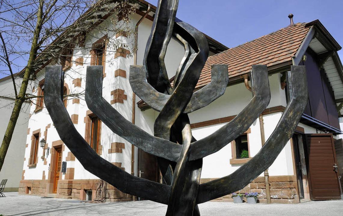 Die Kritik   an der Gedenkstätte im eh...tionszüge in die Konzentrationslager.   | Foto: daniel Gramespacher
